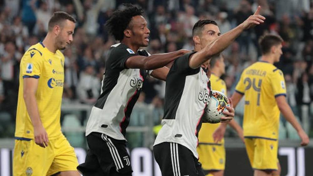 """Cristiano Ronaldo """"nổ súng"""", Juventus thắng kịch tính trước Verona"""